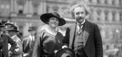Elsa ve Albert Einstein | Einstein Bilimsel Çalışmaları ile Dünyaya Ün Saldıktan Sonra, 1922 Yılında Evlendiler.